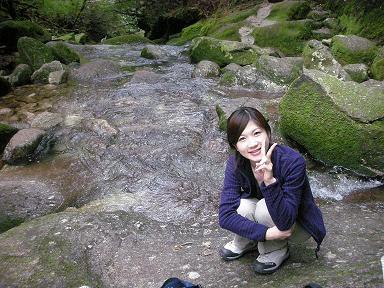 ピースサインの井田寛子